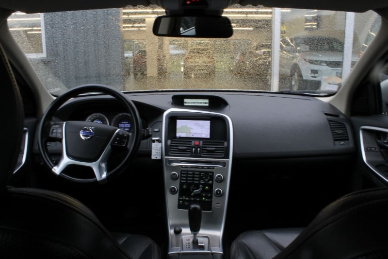 Photo 4 de l'offre de VOLVO XC60 D5 205 AWD SUMMUM GEARTRONIC à 12450€ chez Premium Cars 76