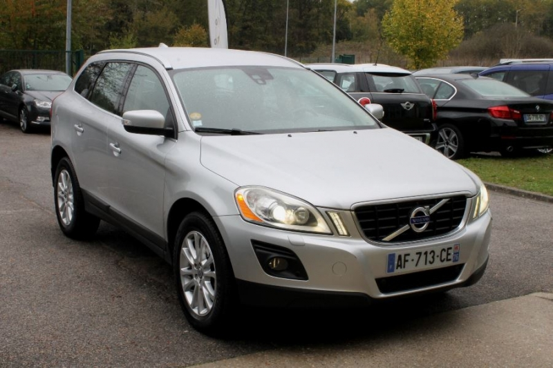 Photo 8 de l'offre de VOLVO XC60 D5 205 AWD SUMMUM GEARTRONIC à 12450€ chez Premium Cars 76