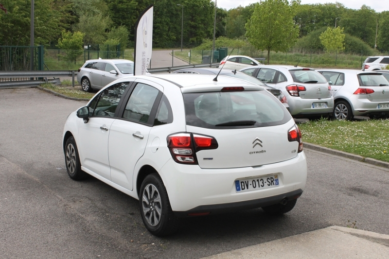 Photo 8 de l'offre de CITROEN C3 (2E GENERATION) II (2) 1.6 BLUEHDI 75 CONFORT à 7450€ chez Premium Cars 76